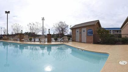 Outdoor Pool | Holiday Inn Express & Suites Byron