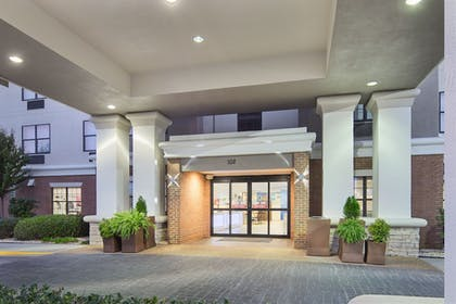 Exterior   Holiday Inn Express & Suites Byron