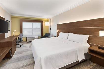 Guestroom | Holiday Inn Express & Suites Byron