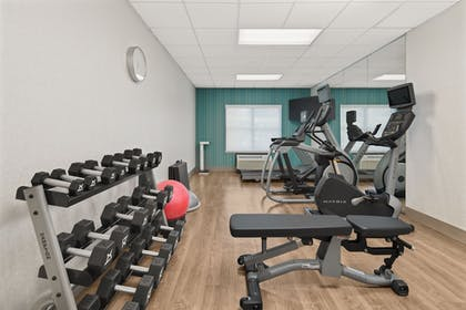 Fitness Facility | Holiday Inn Express & Suites Byron