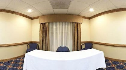 Meeting Facility | Holiday Inn Express & Suites Byron