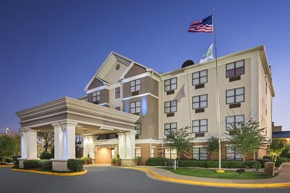 Exterior | Holiday Inn Express & Suites Byron