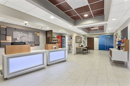 Lobby | Holiday Inn Express & Suites Byron