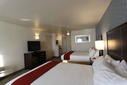 Guestroom | Holiday Inn Express Hotel & Suites Hermosa Beach