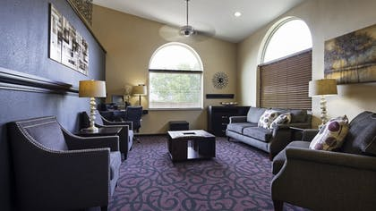 Lobby | Best Western Borger Inn