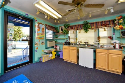 Dining | Americas Best Value Inn & Suites Chincoteague Island