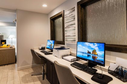 Business Center | Four Points by Sheraton Charlotte - Lake Norman