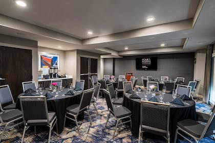 Meeting Facility | Four Points by Sheraton Charlotte - Lake Norman