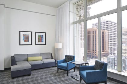 Guestroom | Residence Inn Milwaukee Downtown by Marriott