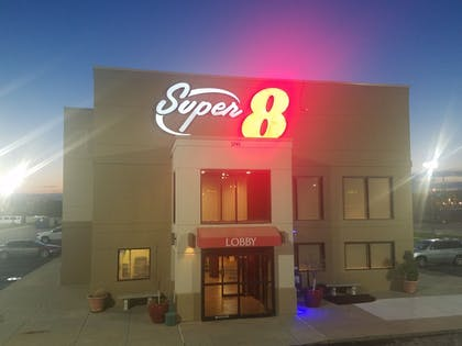 Hotel Front - Evening/Night | Super 8 by Wyndham Wichita North