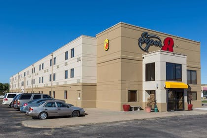 Exterior | Super 8 by Wyndham Wichita North