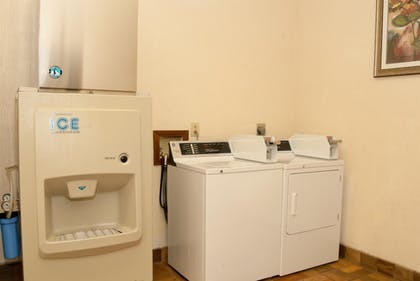 Laundry Room | Best Western Clermont