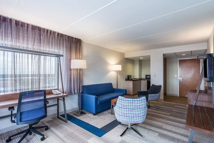 In-Room Kitchenette | Holiday Inn Express Hauppauge