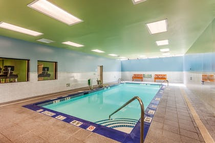 Pool | Holiday Inn Express Hauppauge