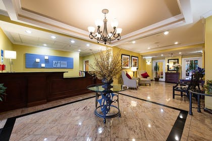 Lobby   Holiday Inn Express Hotel & Suites Columbia