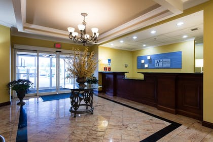 Reception   Holiday Inn Express Hotel & Suites Columbia