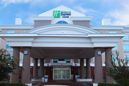 Featured Image   Holiday Inn Express Hotel & Suites Columbia