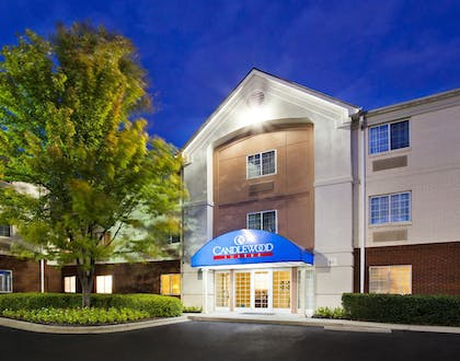 Hotel Front - Evening/Night | Candlewood Suites Huntersville