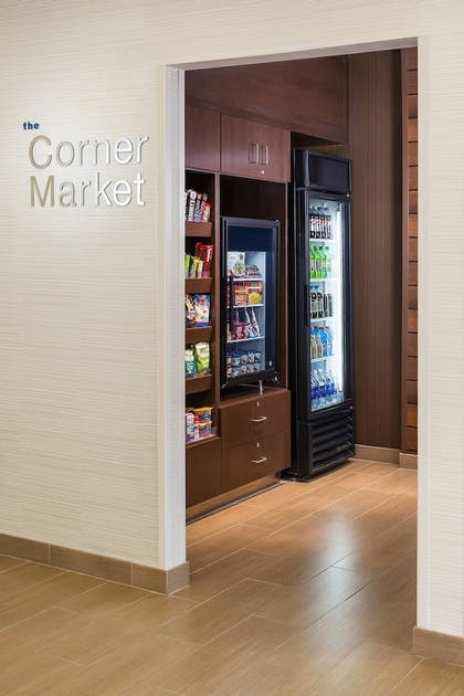 Snack Bar | Fairfield Inn & Suites Grand Rapids