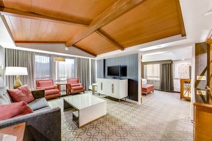 Living Area | Harrah's Lake Tahoe