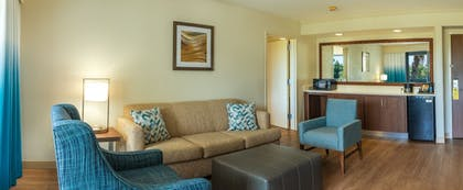 Living Room | Courtyard by Marriott - Naples