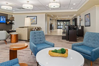 Interior | Courtyard by Marriott - Naples