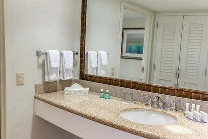 Room | Courtyard by Marriott - Naples