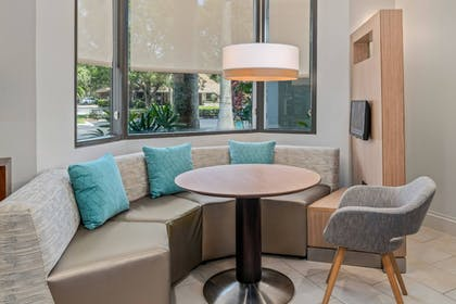 Lobby | Courtyard by Marriott - Naples
