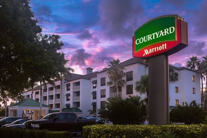 Front of Property - Evening/Night | Courtyard by Marriott - Naples