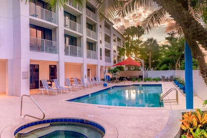 Pool | Courtyard by Marriott - Naples