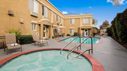 Pool | Best Western Galt Inn