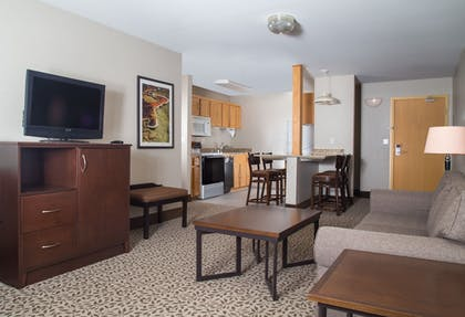 Living Area | Gray Wolf Inn & Suites