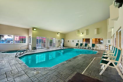 Indoor Pool | Oxford Suites Hermiston