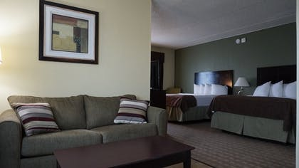 Living Area | Best Western Airport Inn & Suites Cleveland