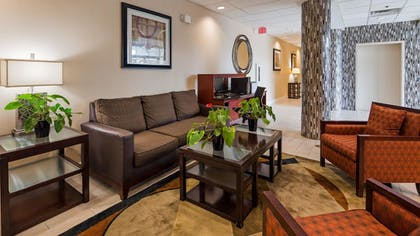 Lobby | Best Western Airport Inn & Suites Cleveland