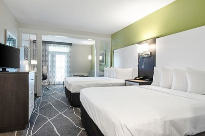 Guestroom   Clarion Inn Willow River