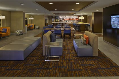 Hotel Lounge |  | Courtyard by Marriott Orlando East/UCF Area