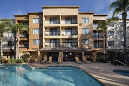 Outdoor Pool |  | Courtyard by Marriott Orlando East/UCF Area