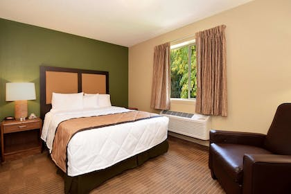 Guestroom | Extended Stay America - Richmond - Innsbrook