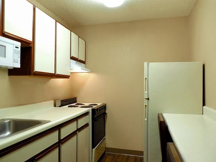 In-Room Kitchen | Extended Stay America - Toledo - Maumee