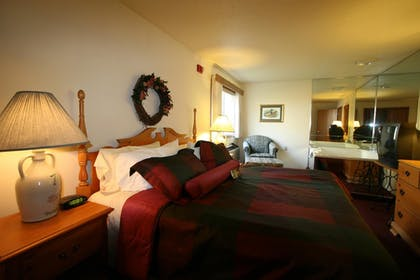 Pool | Best Western Dodgeville Inn & Suites
