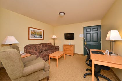Living Room | Best Western Plus Spirit Mountain Duluth