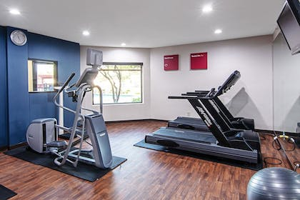 Fitness Facility | Comfort Suites NW Dallas Near Love Field