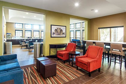 Lobby | Comfort Suites NW Dallas Near Love Field