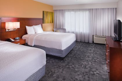 Guestroom | Courtyard by Marriott New Orleans Covington/Mandeville