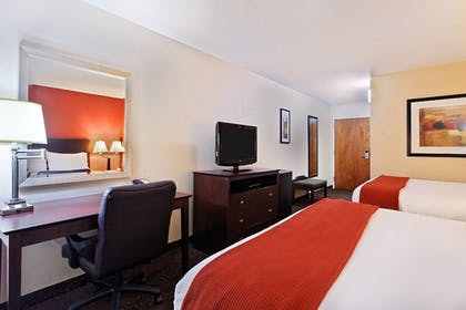 Guestroom   Holiday Inn Express & Suites Knoxville-North-I-75 Exit 112
