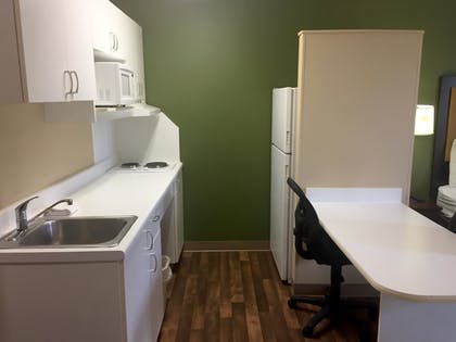 In-Room Kitchen   Extended Stay America - Detroit - Ann Arbor - Briarwood Mall