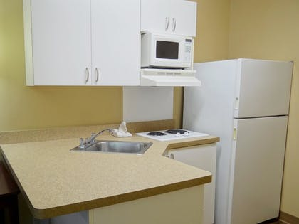 In-Room Kitchen | Extended Stay America Sacramento - White Rock Road