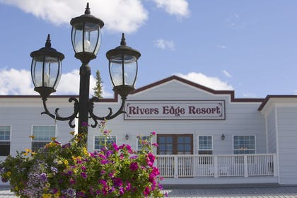 Featured Image | Rivers Edge Resort