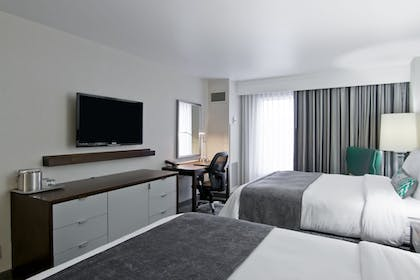 Guestroom | The Grove Hotel